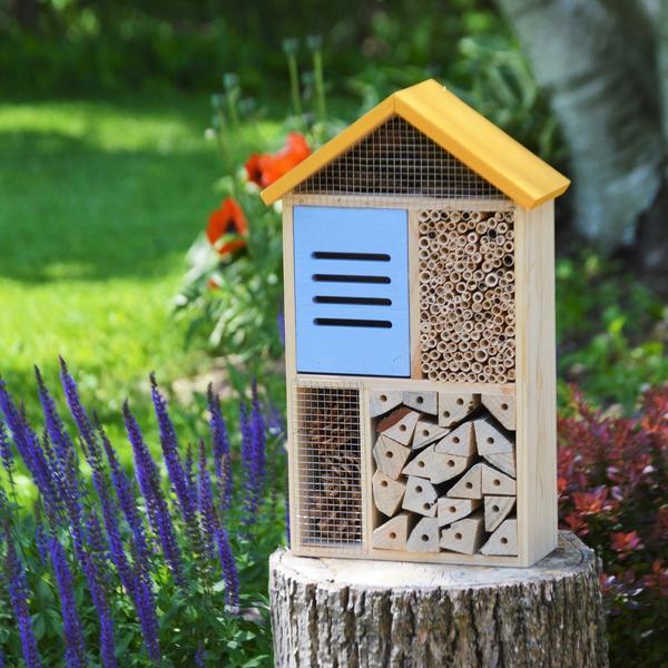 Къщичка за насекоми...